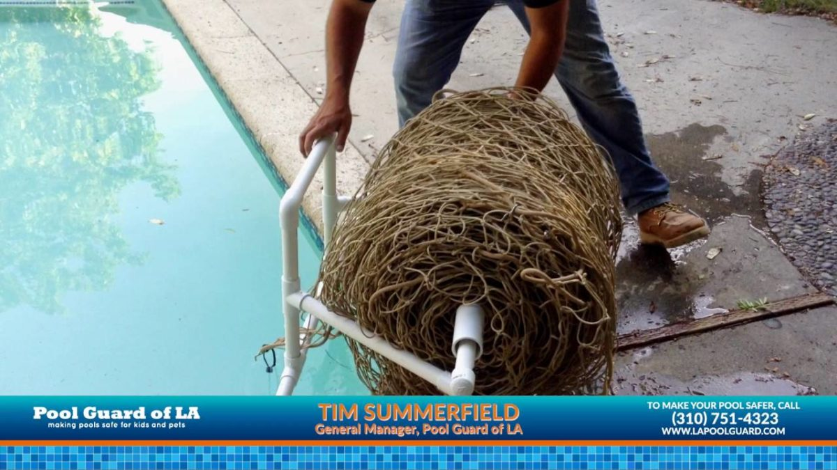 How to Use a Pool Safety Net